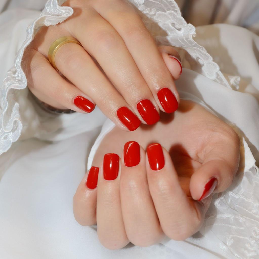 Maniküre  Klassische Maniküre Maniküre mit UV Lack Meisterling Irina
