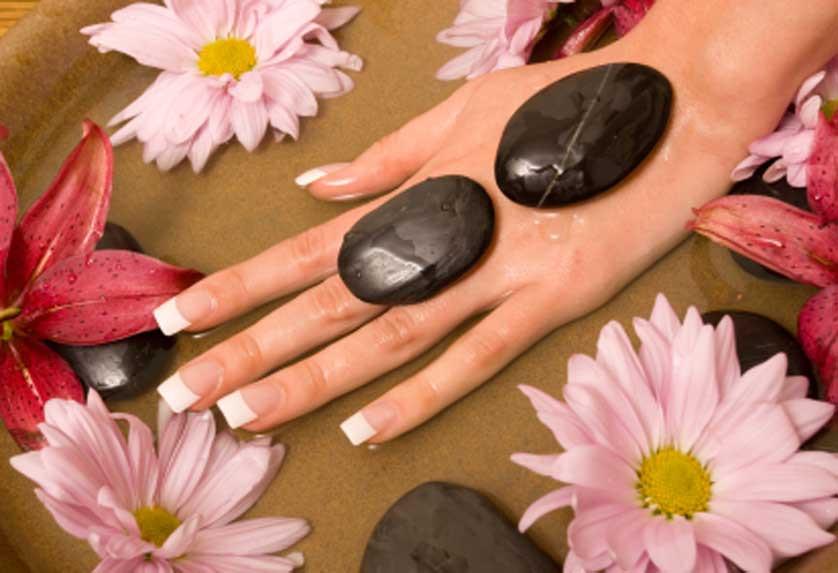 Maniküre Winterhude  HAUTBLICK Kosmetik Massage Nageldesign Enthaarung