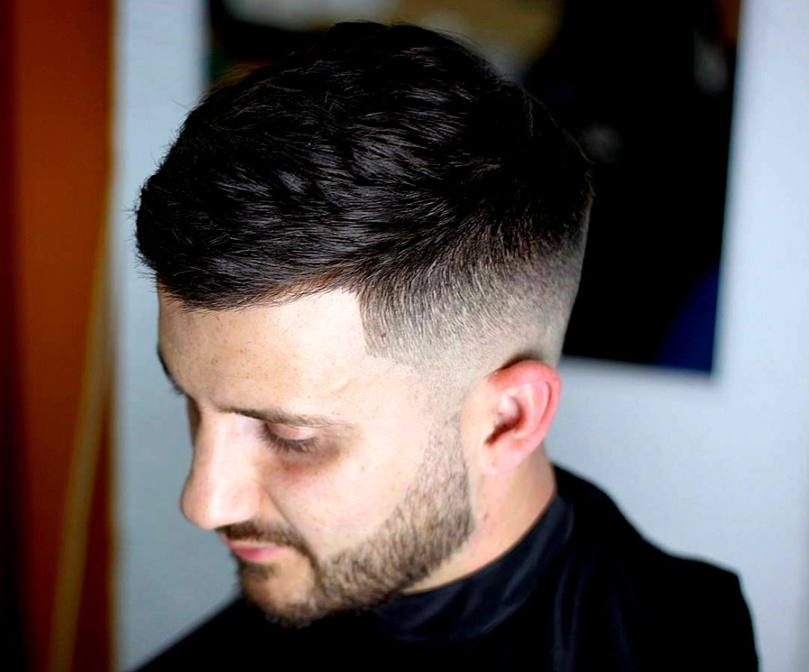 Männer Frisuren 2019 Kurz  Schöne Herren Trend Frisuren Kurz 2019 10 Kurze Haare