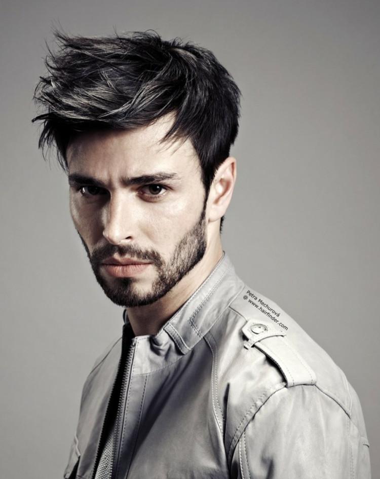 Moderne Frisuren Männer  Trendige Frisuren für Männer aktuelle Cuts und