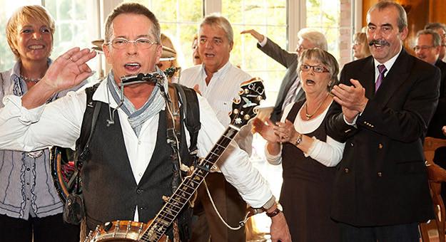 Musiker Für Geburtstagsfeier Gesucht  Künstler für Geburtstagsfeier