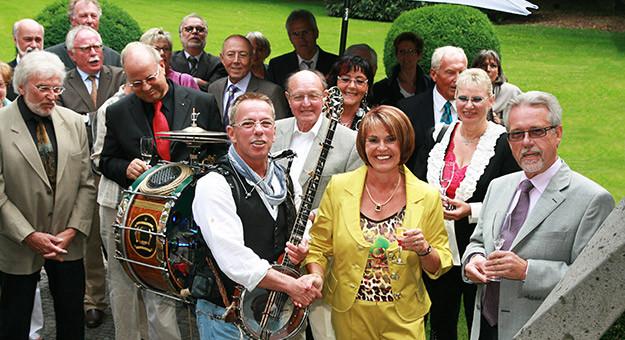 Musiker Für Geburtstagsfeier Gesucht  Unterhaltung für Geburtstagsfeier