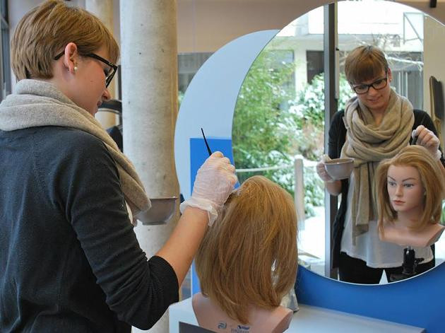 Nageldesign Ausbildung Köln  Ausbildung Wie werde ich Friseur FOCUS line