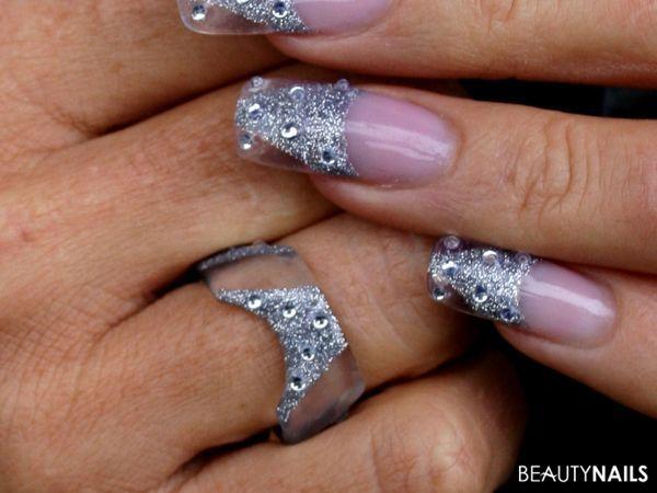 Nageldesign Bilder Ausgefallen  Nailart mit Ring Nageldesign