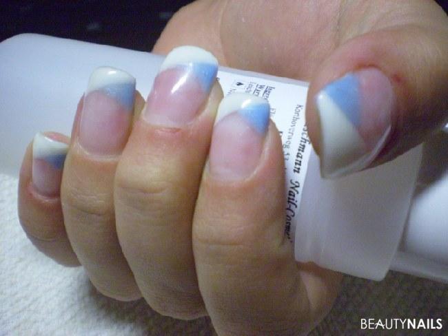 Nageldesign Blau Pink  Blau weiß schlicht Nageldesign