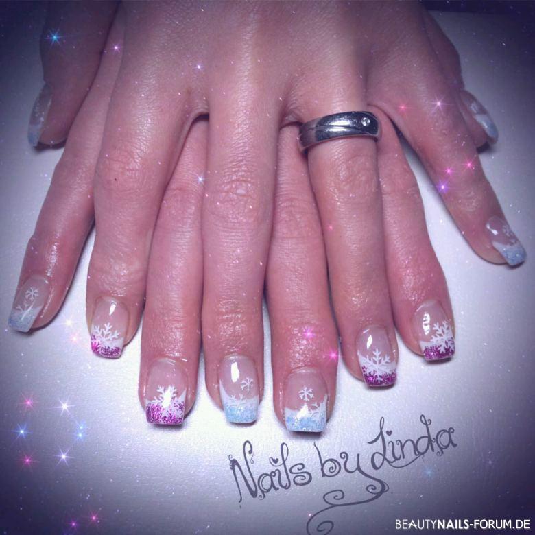 Nageldesign Blau Pink  French weiß mit pink und blau Glitzer Nageldesign