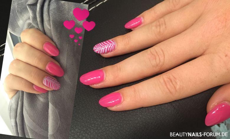 Nageldesign Blau Pink  Gelmodellage Pink mit hellblauen Stamping Nageldesign