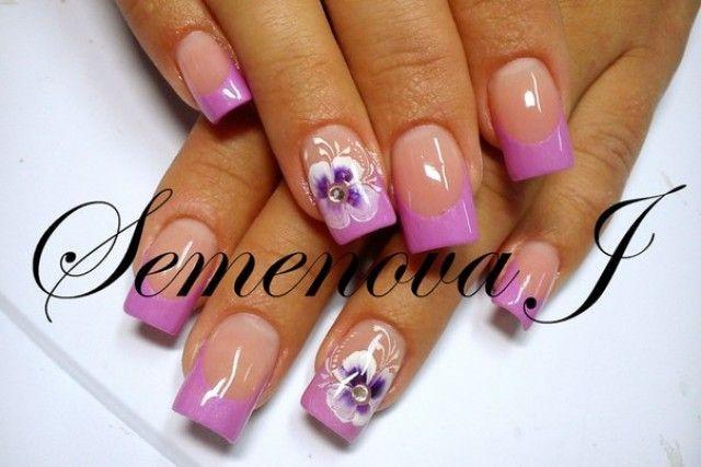 Nageldesign Blumen Ranken  French Nageldesign Yulia 2014 Hell pink mit Blumen