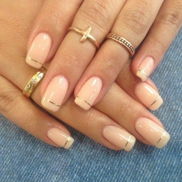 Nageldesign Braun Beige  Pastelltöne mit Rand aus goldenen Streifen Nails