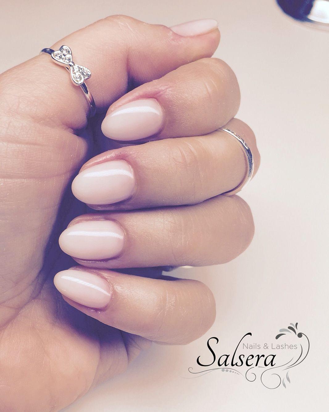 Nageldesign Frankfurt Am Main  Nails Nägel Nageldesign rund kurz schlicht Salsera
