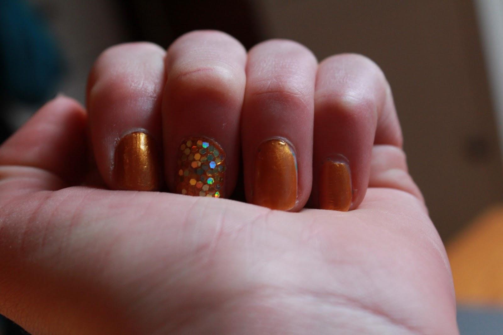 Nageldesign Gold  I found my love Nageldesign gold Glitter