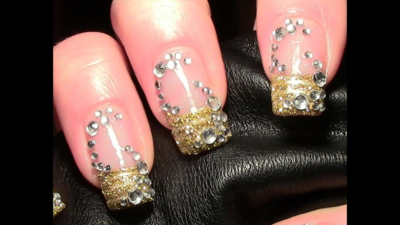 Nageldesign Gold Glitter  Goldiges Strass Nageldesign zum selber machen Gold