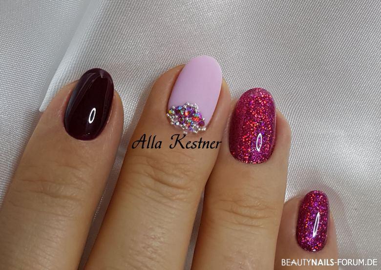 Nageldesign Lila Glitter  Nageldesign Dunkelrot lila pink Glitter und Steine Herbst