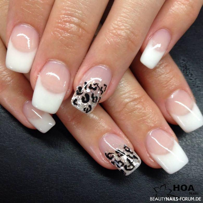 Nageldesign Mit Gel  Gel French Leoparden Muster weiss Gelnägel