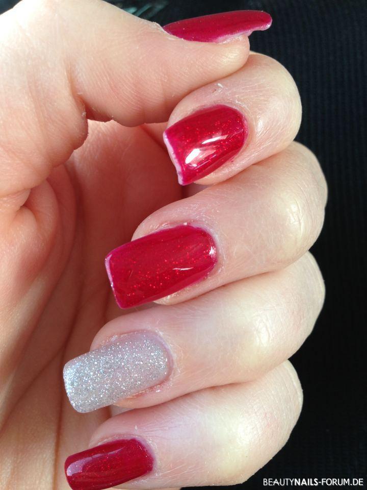 Nageldesign Mit Glitzer  Rote Fingernägel mit Silber Glitzer Nageldesign