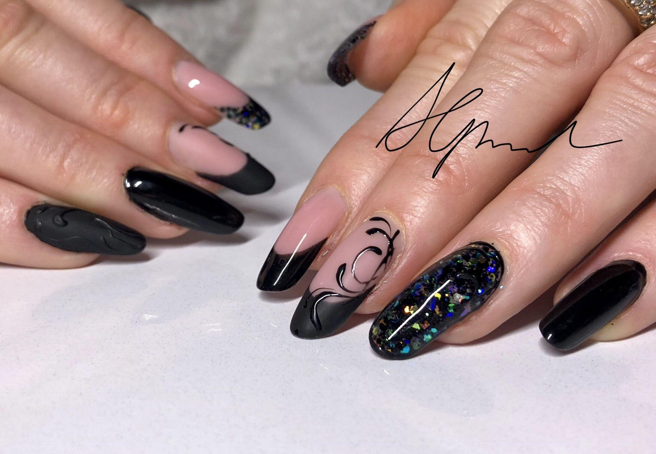 Nageldesign Modern  Nailart schwarz Modern nageldesign Nägel matt Nägel