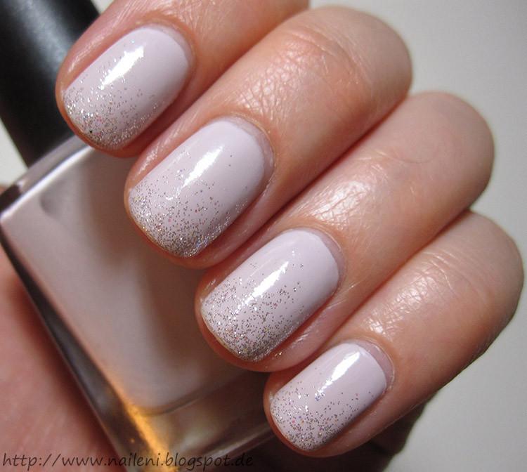 Nageldesign Nagellack  nails reloaded Nageldesign Hellgrau in Glitter upft