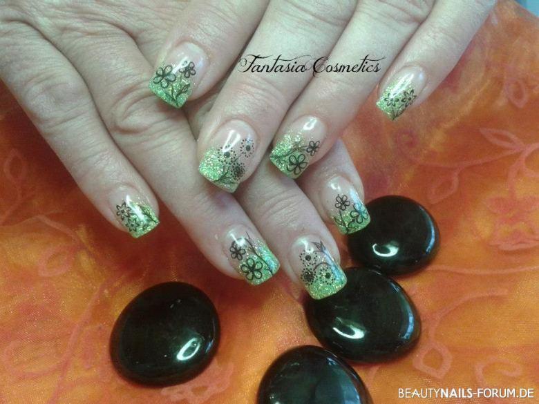 Nageldesign Neon Grün  40 Grüne Nägel mit frischen Nageldesign Ideen