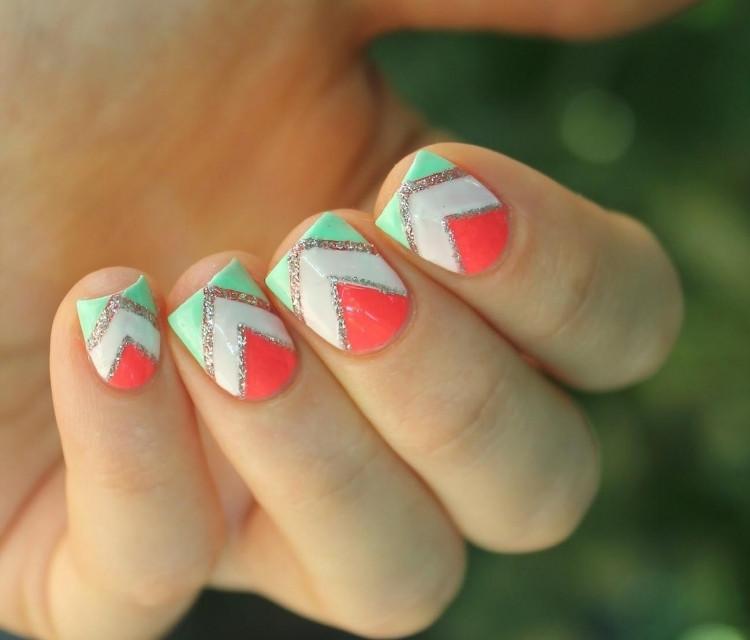 Nageldesign Neonfarben  Nageldesign mit Zierstreifen 25 Ideen und Anregungen