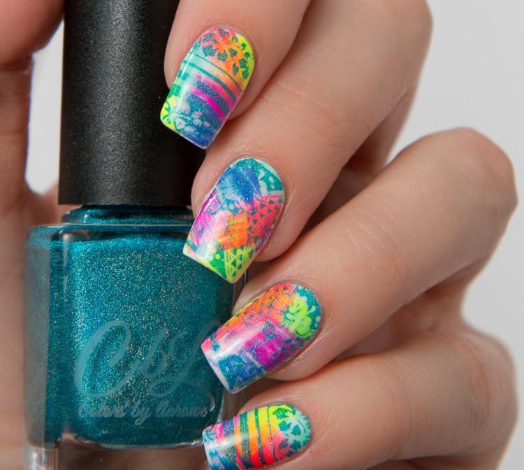 Nageldesign Neonfarben  Nageldesign für Urlaubsnägel gestalten Passende Farben