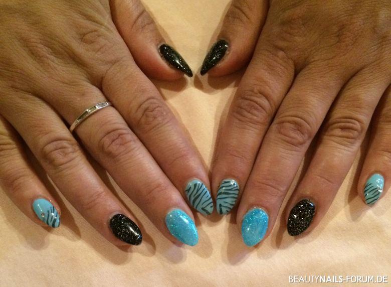Nageldesign Trends 2019  50 Blaue Nägel Bilder mit Nailart 2019