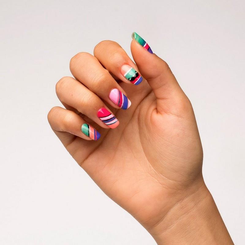 Nageldesign Verlaufende Farben  Nageldesign Galerie markante Nagellack Trends 2015