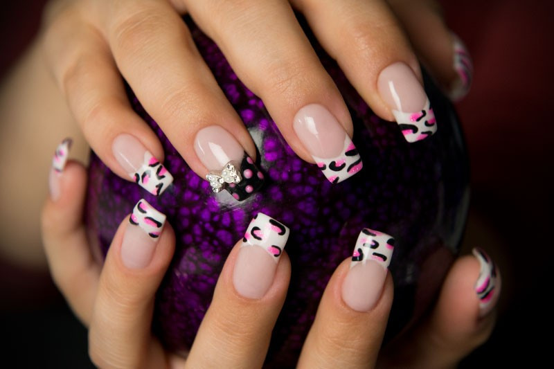 Nageldesign Video Anleitung  Nageldesign Anleitung Neon Pink Leo Look