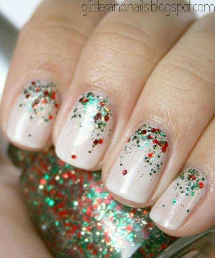 Nageldesign Weihnachten Muster  Nageldesign Weihnachten 101 inspirierende Fingernägel Ideen