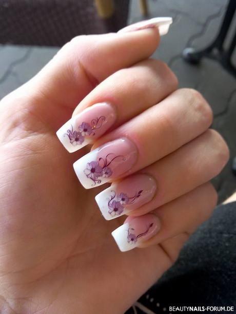 Nageldesign Weiß Mit Blumen  French nägel mit blumen
