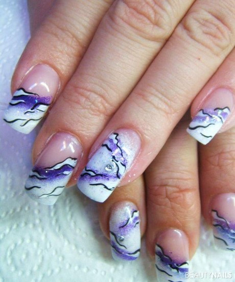 Nageldesign Weiß Mit Blumen  Nageldesign malen
