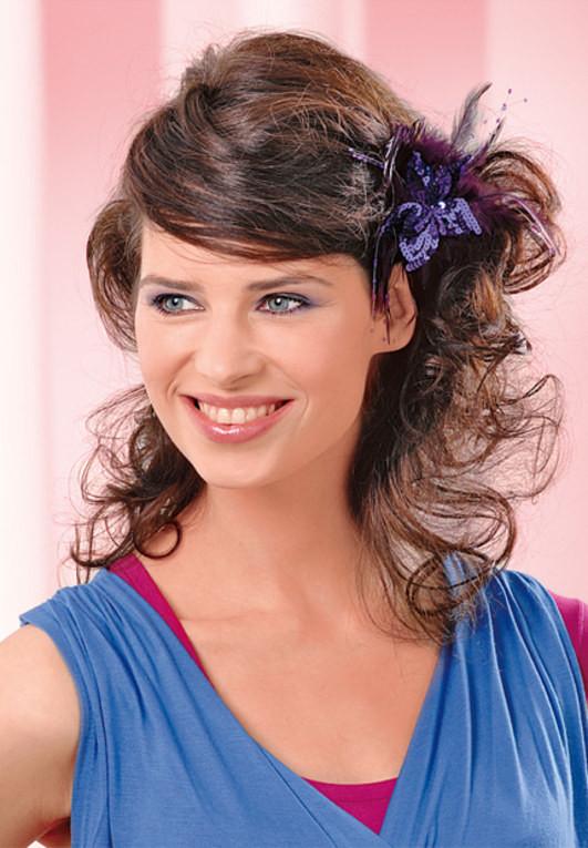 Naturkrause Frisuren  Frisuren mittellang naturkrause – Modische Frisuren für