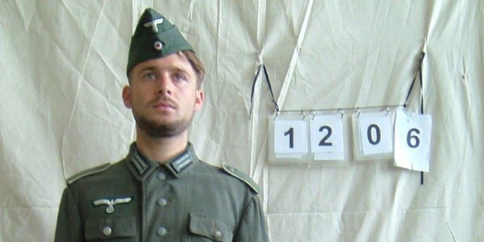 """Nazi Haarschnitt  Nazi Casting """"Hier ist nicht 2007 Hier ist 1943"""" taz"""