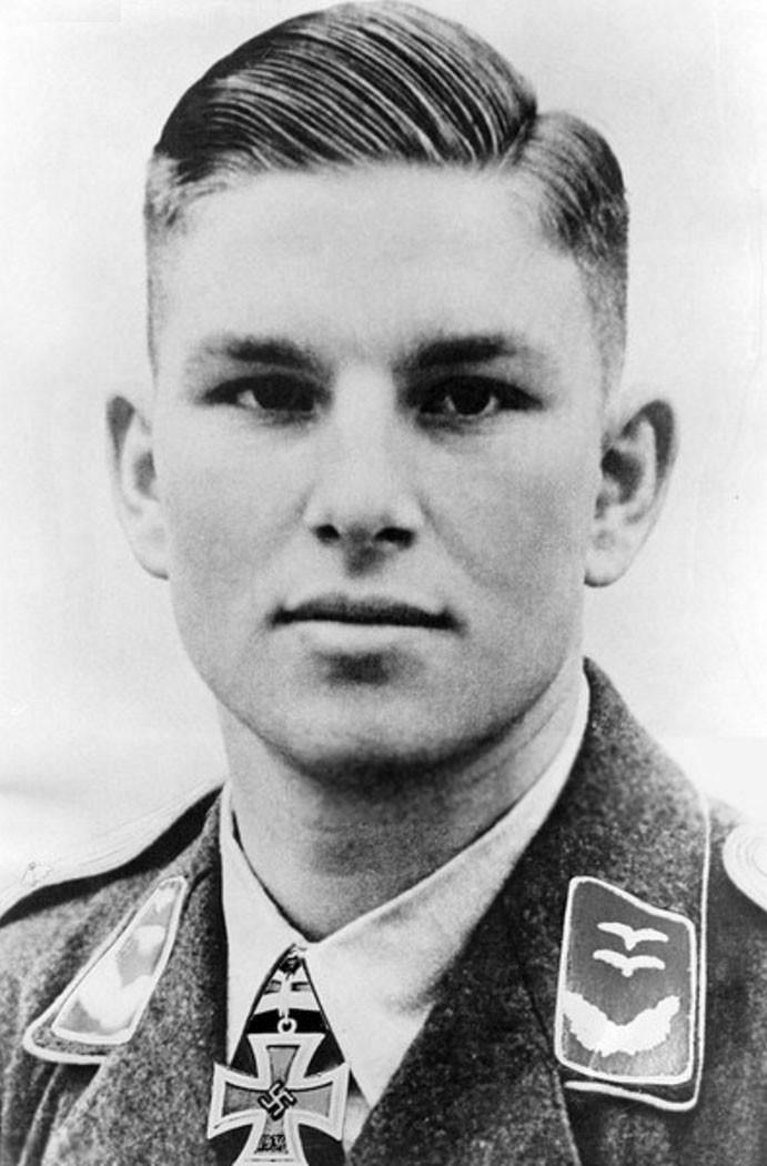 Nazi Haarschnitt  Gerhard Barkhorn