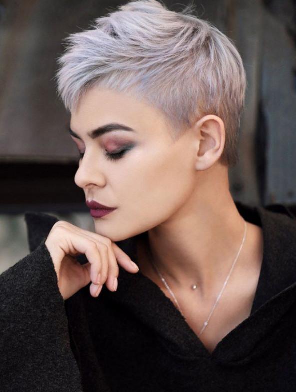 Neue Frisuren Damen 2019  Frisuren Damen Graue Haare 2019