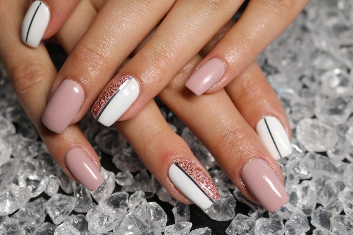 Neue Nageldesigns  Hand und Nagelpflege