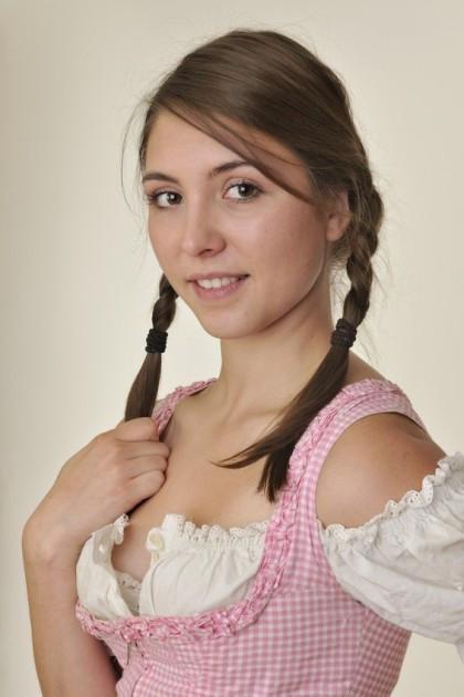 Oktoberfest Frisuren Für Kurze Haare  Wiesn frisuren kurze haare