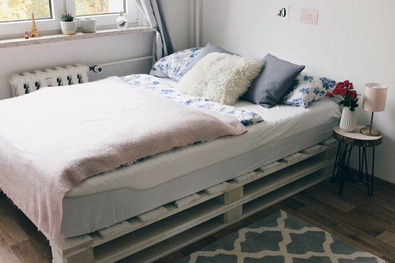 Palettenbett Diy  52 DIY Palettenbett Designs Möbel Schlafzimmer ZENIDEEN