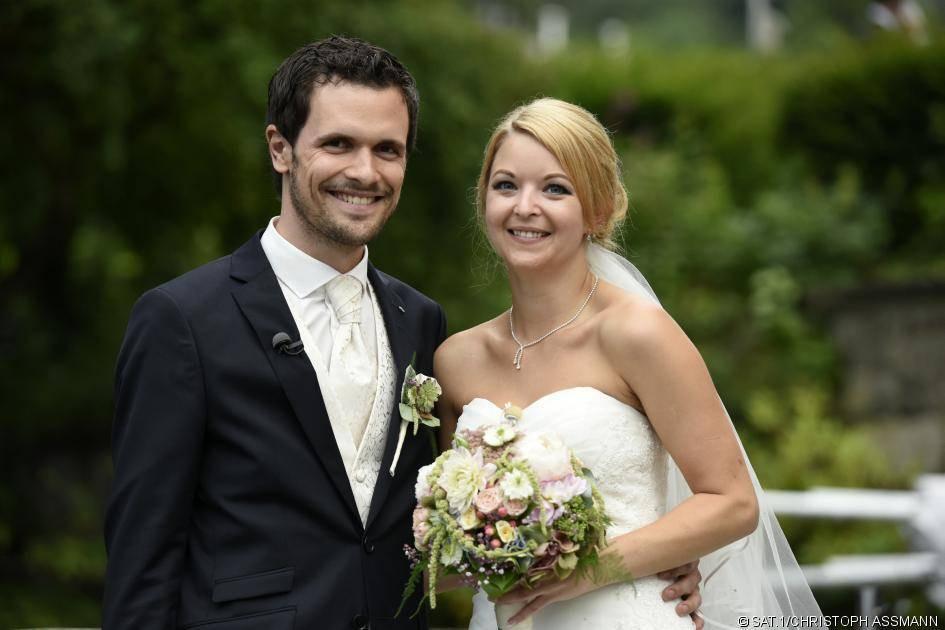 """Sat 1 Hochzeit Auf Den Ersten Blick Online  """"Hochzeit auf den ersten Blick"""" Diese Paare sind noch"""