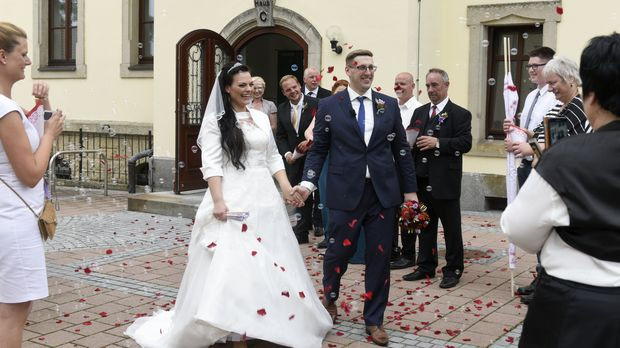 Sat 1 Hochzeit Auf Den Ersten Blick Online  Hochzeit auf den ersten Blick Video Das wichtigste