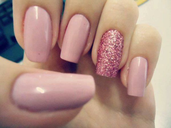 Schlichtes Nageldesign Glitzer  schlichte nägel rosa glitzer Fingernägel