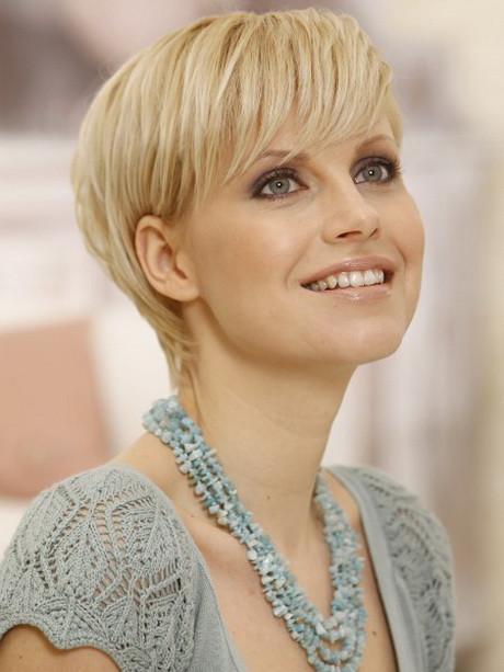 Schöne Frisuren Für Kurze Haare  Frisuren für kurze haare