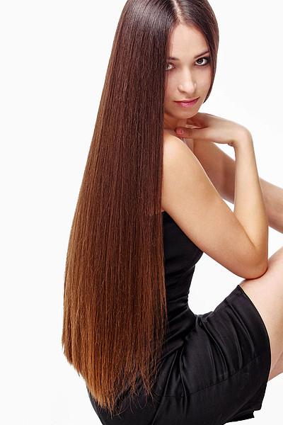 Schöne Frisuren Lange Haare  Sehr lange Haare im Sleek Look