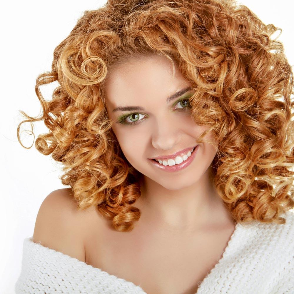 Schöne Frisuren Mit Locken  Blonde kleine Locken