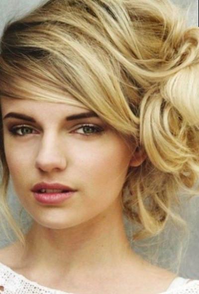 Seitliche Frisuren  Seitliche hochsteckfrisuren aktualisiert Oktober