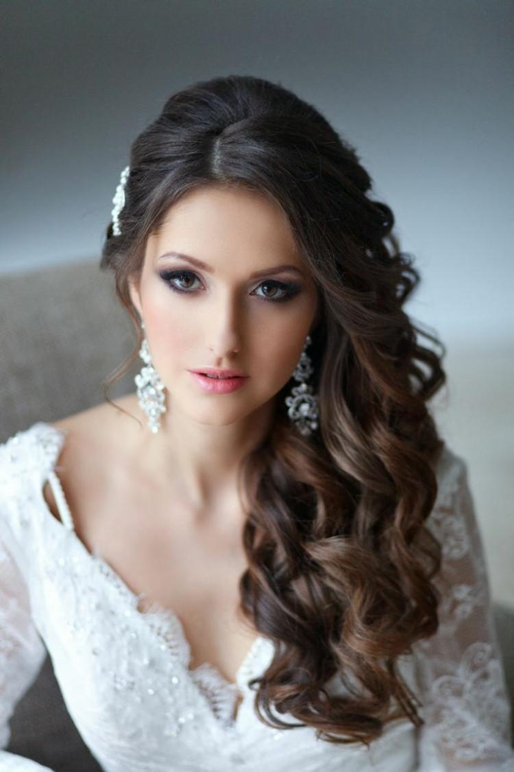 Seitliche Frisuren  Brautfrisuren seitlich gesteckt 30 elegante Inspirationen