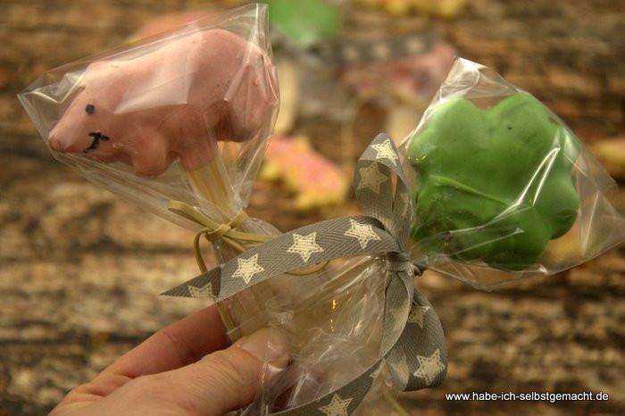 Silvester Geschenke Selbstgemacht  Glückskekse Klee und Schweine für das neue Jahr Geschenk