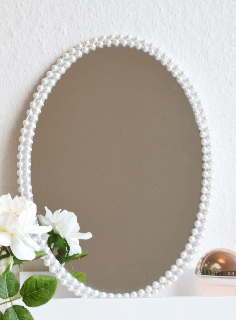 Spiegel Diy  DIY Spiegel Rahmen selber machen
