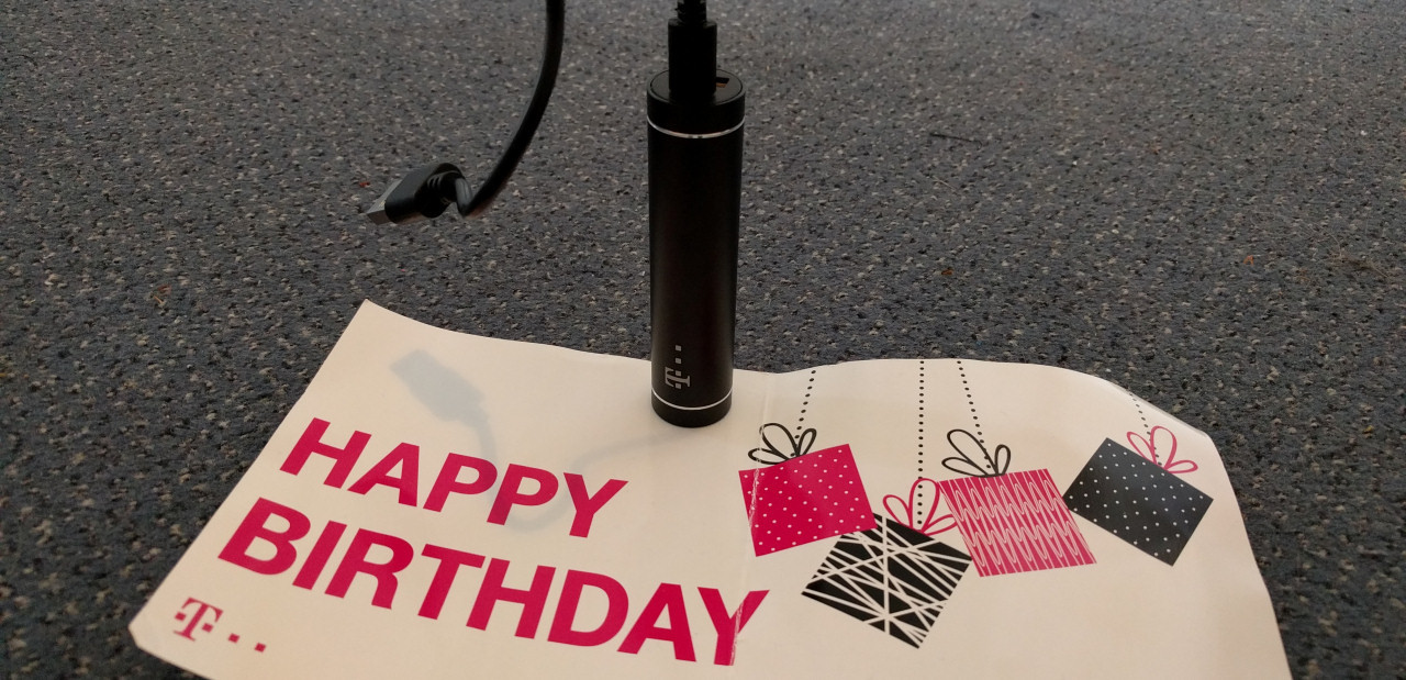 Telekom Powerbank Geburtstagsgeschenk 2017  Geschenk von der Telekom – mein Senf