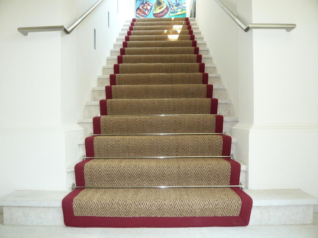 Teppich Für Treppen  Stiegenteppich Gembinski Teppiche