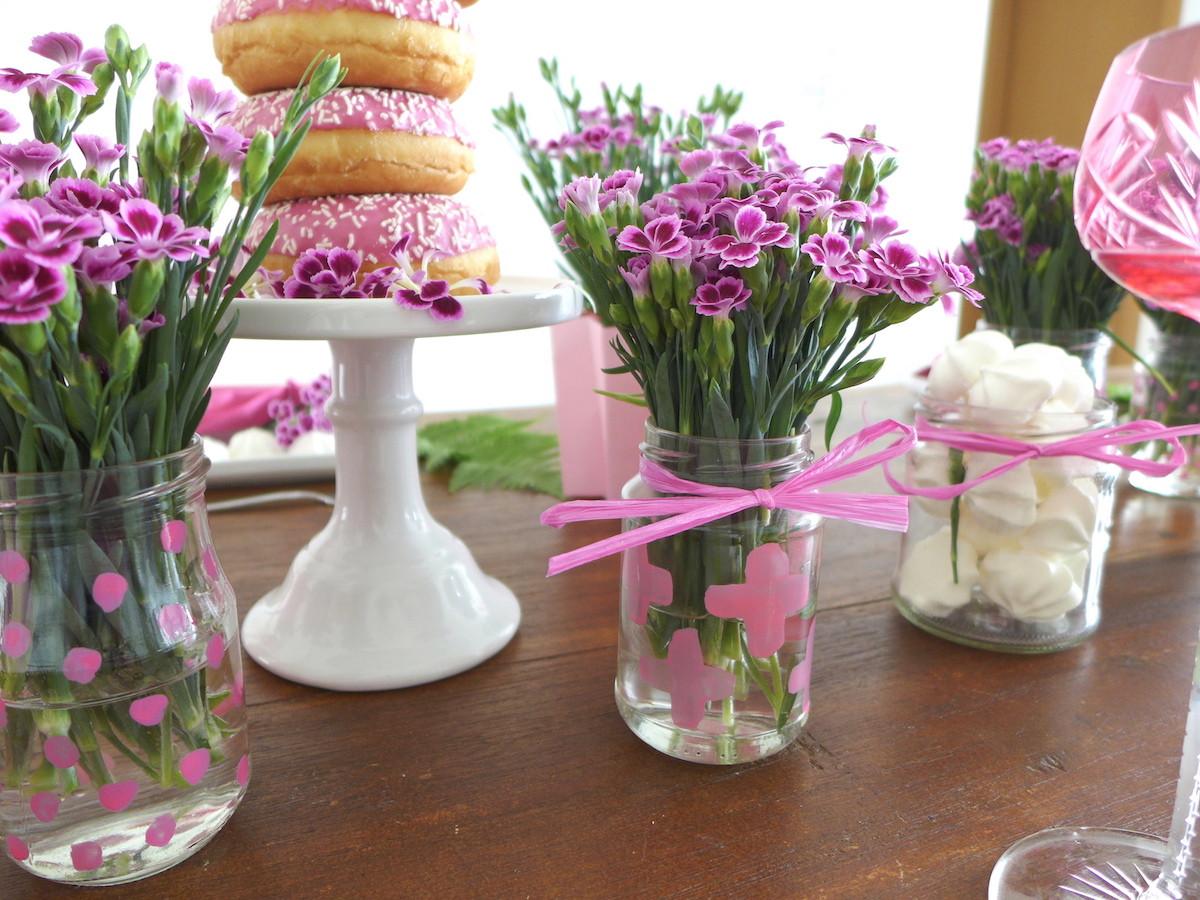 Tischdeko Geburtstag Blumen  Pink Power DIY Blumen Tischdeko mit Mininelken sophiagaleria
